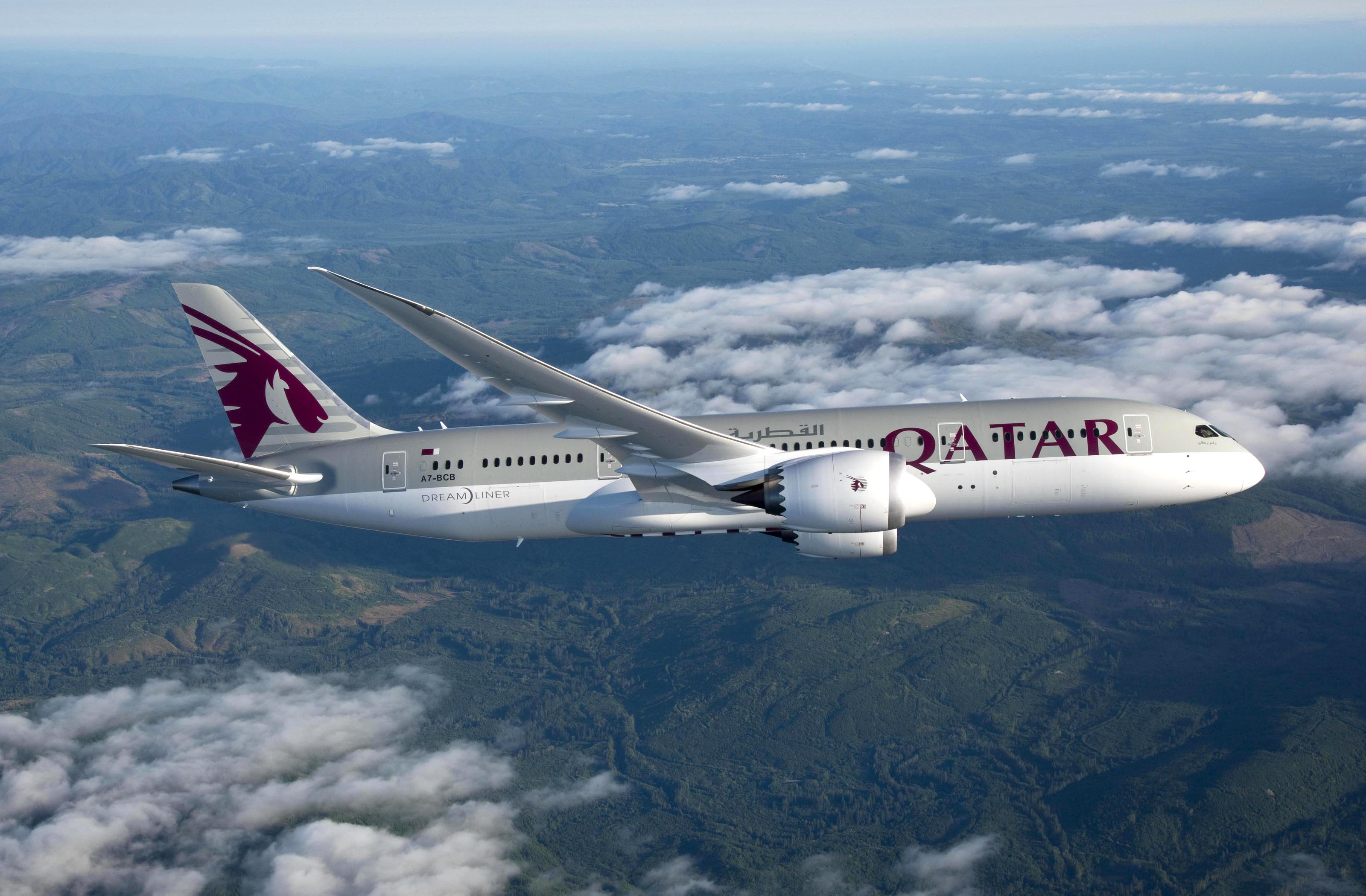 El boeing 787 de qatar airways despegar de madrid en agosto for Oficina qatar airways madrid