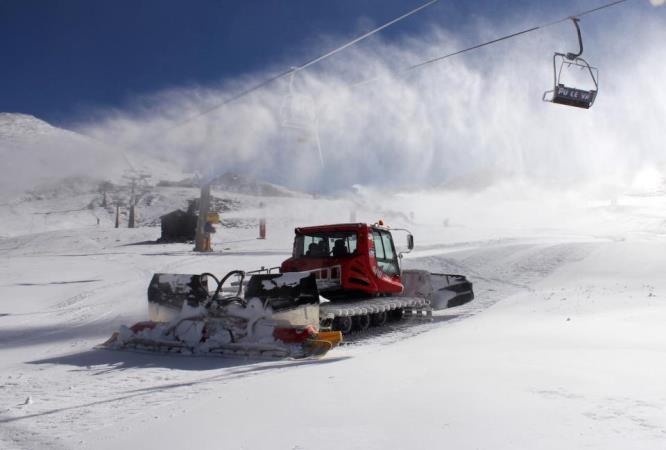 Resultado de imagen de Las estaciones de esquí en España redujeron un 6,6% sus visitantes la pasada temporada