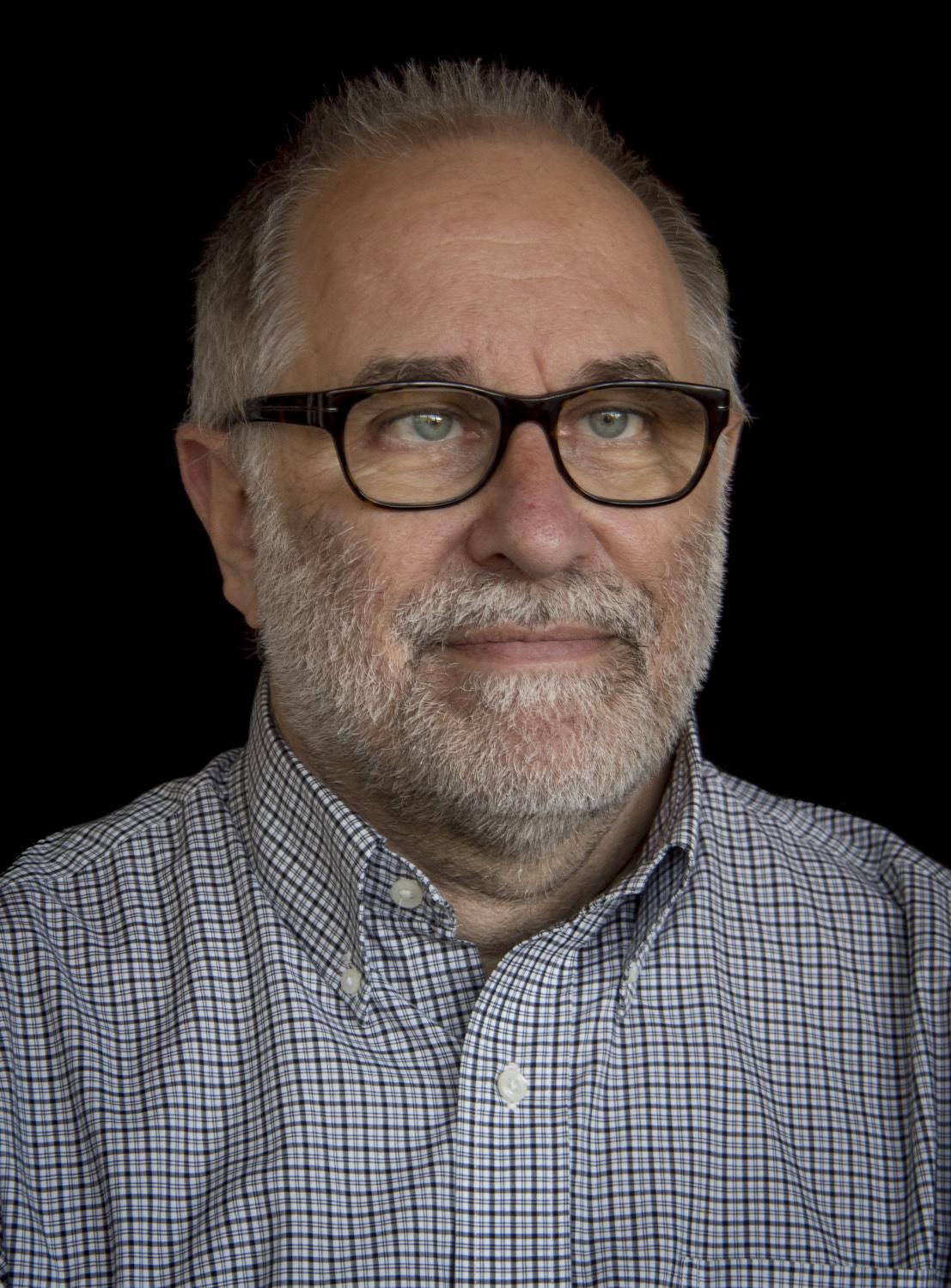 Dr. José María García García,